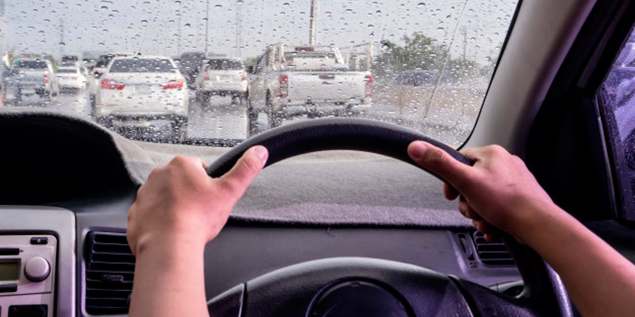 5 Essential Tips to Keep in Mind When Driving in the Rain